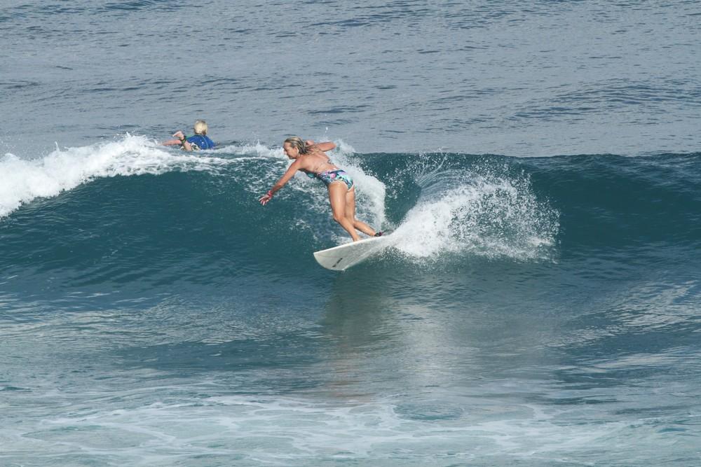 mel-surfing-1000