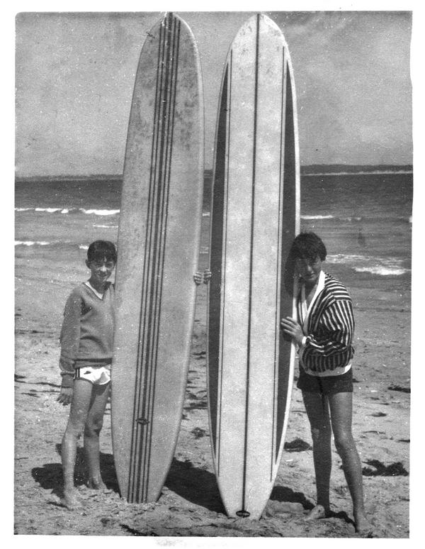 vintage-surfboards-on-beach-retouch-600